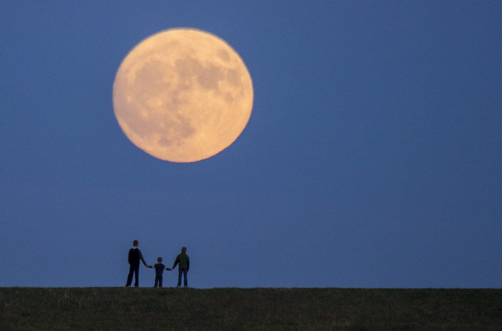 Super Moon Omaha